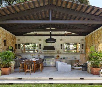 large-outdoor-kitchen-florida_359_306_80_c1